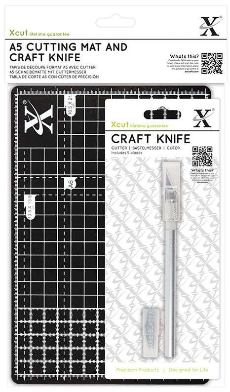 Мат и макетный нож со сменными лезвиями