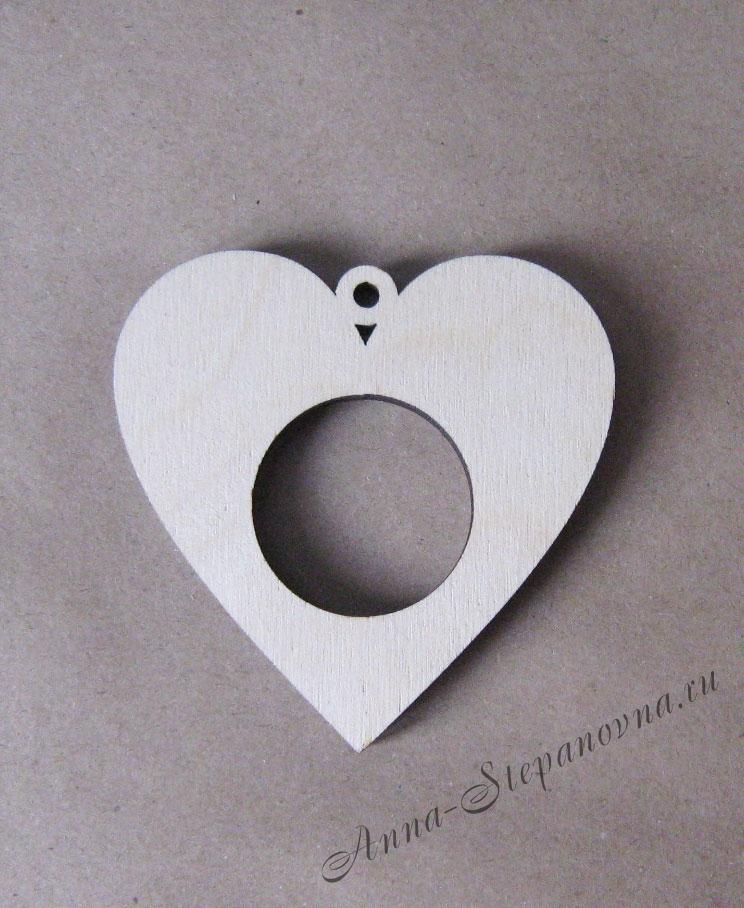 Рамка-медальон сердечко №1