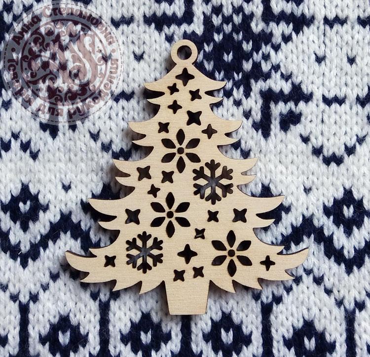 Деревянная игрушка Новогодняя красавица