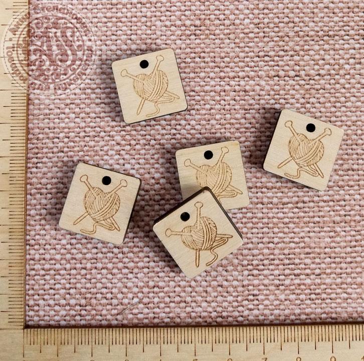Бирка « Вязание спицами» квадрат