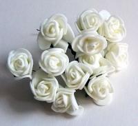 Букетик роз из фоама сливочные