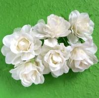 Букетик «Розы Элегант» белые