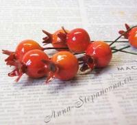 Искусственные ягоды шиповника