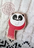 Значок «Панда в шарфике» деревянный