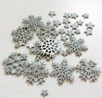 Снежинки из фоамирана на клеевой основе серебро