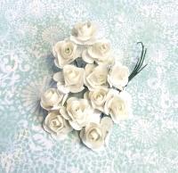 Бумажные розы белые, маленькие