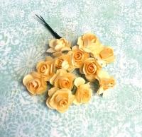Бумажные розы персиковые, маленькие