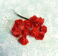 Бумажные розы красные, маленькие