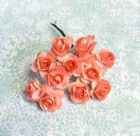 Бумажные розы розовые, маленькие