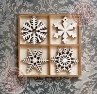 Набор ёлочных игрушек из дерева №4 Снежинки