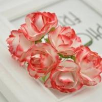 Бумажные цветы Белые с красным розы
