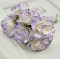 Бумажные цветы Белые с сиреневым