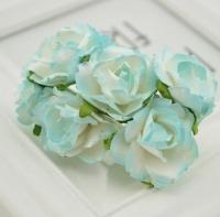 Бумажные цветы Белые с голубым
