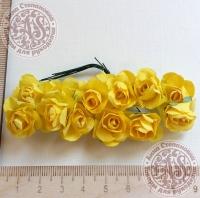 Бумажные розы желтые, маленькие