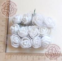 Букетик роз из фоама с сеточкой Белые
