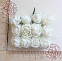 Букетик роз из фоама с сеточкой Сливочные