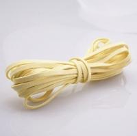 Шнур из искусственной замши плоский, светло-желтый