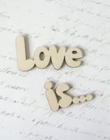 Слово «Love is» дерево